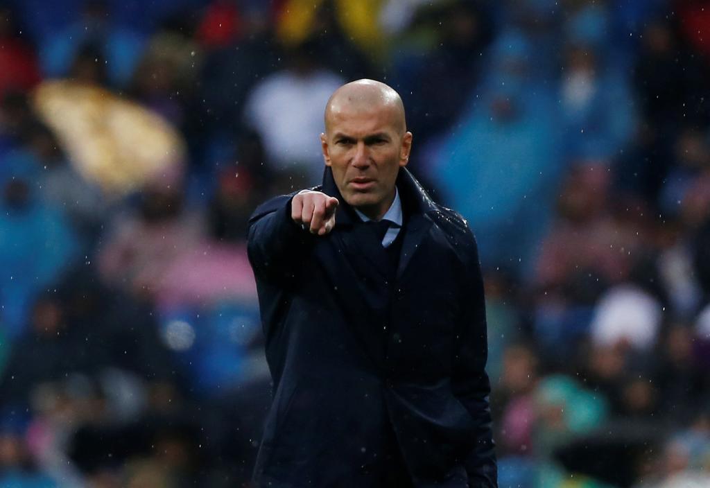 Zidane, durante un partido de su última temporada en el Madrid.