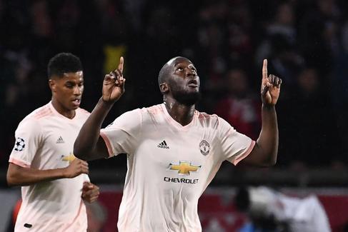 El United remonta y elimina al PSG