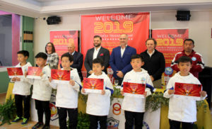 Los jóvenes promesas del fútbol asiático, durante su estancia en Mas Camarena.