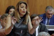 Susana Díaz, este jueves, durante una intervención en el Parlamento andaluz.