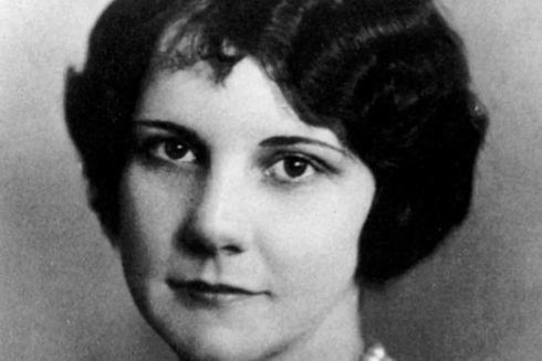 Grace-Fryer, la primera en emprender acciones legales contra su empresa