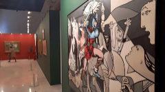 Antigua sala del Palau dels Scala que alberga la exposición con obras emblemáticas de la Diputación de Valencia.