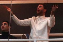 Sergio Ramos, en el palco del Bernabéu, durante el partido ante el Ajax.