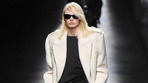 46e050312b2 El Saint Laurent más espectacular en la Semana de la Moda de París