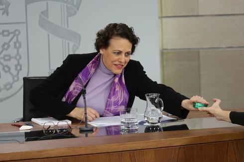 La ministra de Trabajo, Magdalena Valerio, en la rueda de prensa tras el consejo de ministros.