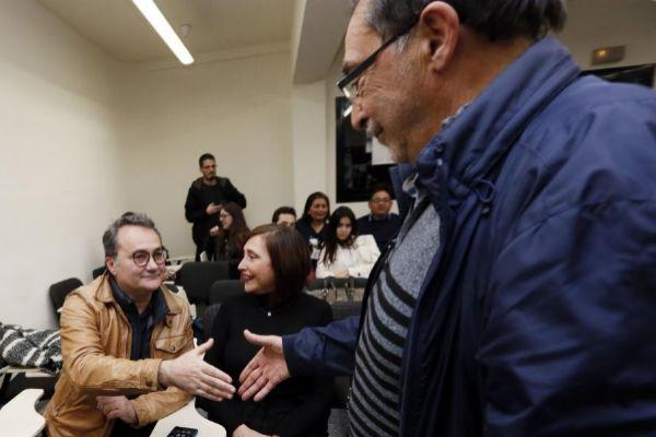 Ángel Franco da la mano a Sanguino tras las primarias socialistas.