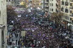 Manifestación por el Día de la Mujer, en el centro de Valencia