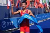 Mario Mola arranca las Series Mundiales con una gran victoria en Abu Dhabi