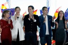 El presidente de Ciudadanos, Albert Rivera, María Muñoz, (2ª i) Marta Marín (izq, cabeza de lista por Alicante) y el candidato a la Generalitat, Toni Cantó, en La Marina de Valencia.