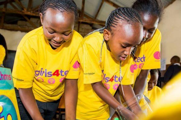 Programa  Girls4Tech en Kenia, para promover el estudio de la tecnología en niñas.