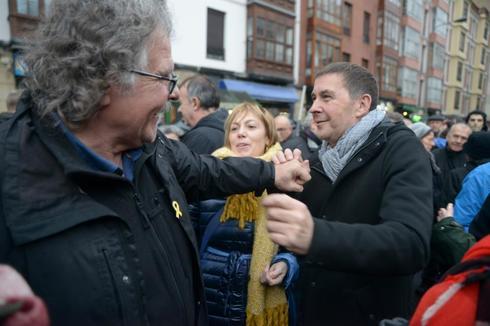 Joan Tardà (ERC) y Arnaldo Otegi (EH Bildu) en una manifestación en Bilbao, el pasado mes de enero, contra la dispersión de presos de ETA.