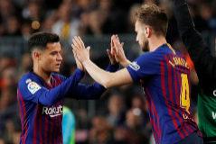 """Piqué defiende al silbado Coutinho: """"Su coste fue muy grande"""""""