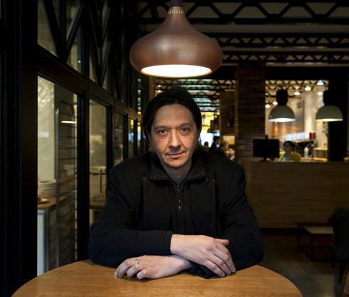 Santiago Lorenzo es el autor de 'Los asquerosos'.