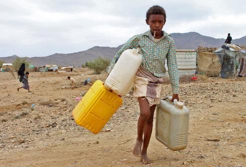 Un niño yemení desplazado por el conflicto, en un campo al norte de Yemen.