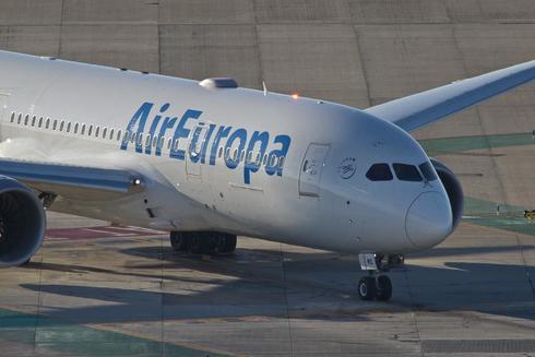 Un avión de Air Europa en el aeropuerto Adolfo Suárez Madrid Barajas.
