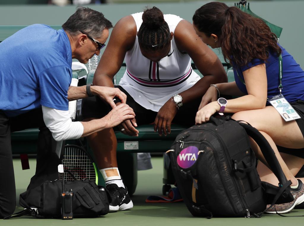 Un virus frena a Serena y despeja el camino de Muguruza en Indian Wells
