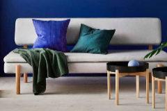 Se alquila sofá cama en el salón por 500 euros al mes