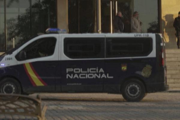 Una furgoneta de la Policía Nacional, durante una operación.