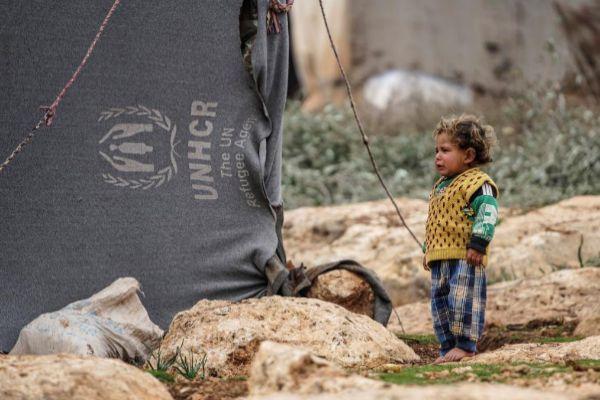 Un niño en el campamento de desplazados de Atamah en Idlib, en Siria.