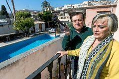 """Vivir rodeado de viviendas turísticas: """"Es un infierno. Hay juergas hasta el amanecer"""""""