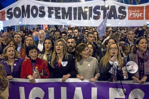 Begoña Gómez, en la cabecera de la manifestación del 8M