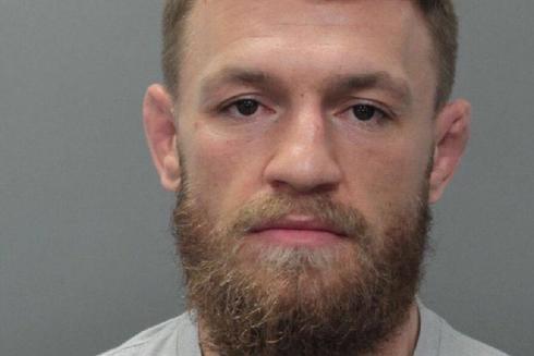 Foto policial de Conor McGregor tras ser detenido.