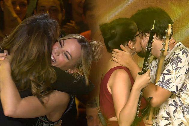 Paz Padilla y Edurne se abrazan tras dar el Pase de oro conjunto a...