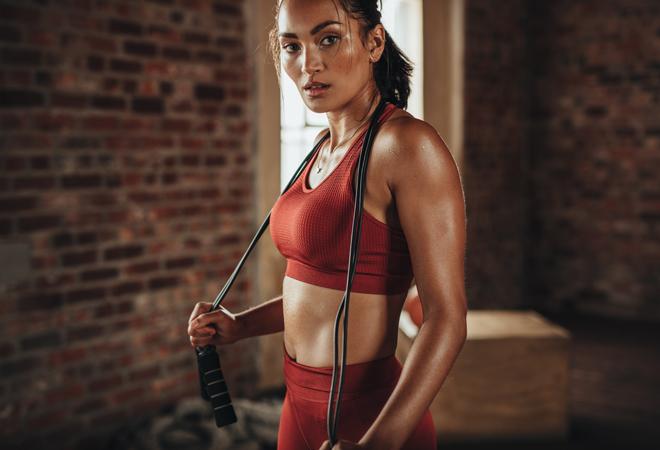 Cómo incorporar la comba a tu rutina diaria de ejercicios