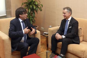 Puigdemont y Urkullu en una reunión en Barcelona.