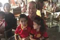 Borja Brañanova, con sus dos hijos