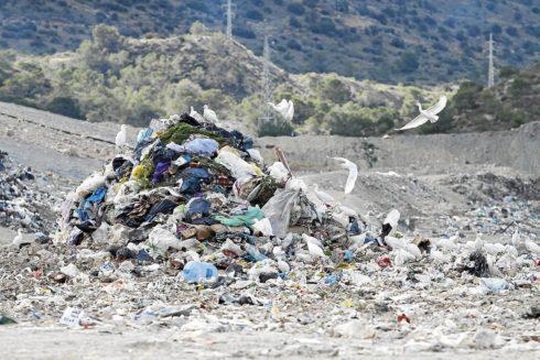 Un montón de basura en la planta alicantina de Fontcalent, en una imagen de archivo.