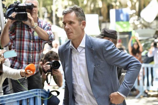 Iñaki Urdangarin se dirige a la Audiencia de Palma para recoger su orden de ingreso en prisión, en junio de 2018.