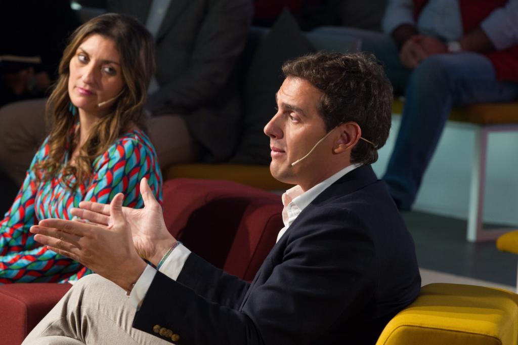 Sara Giménez y Albert Rivera, durante un acto contra la...