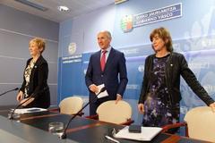 Tapia, Erkoreka y Uriarte, tras el Consejo de Gobierno.