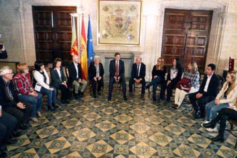 Reunión del presidente Puig con la representación de afectadas, este miércoles.