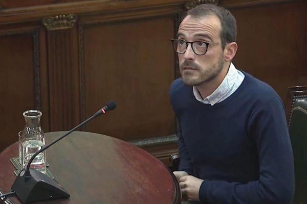 Captura de la señal del Tribunal Supremo, durante la declaración de Jaume Mestre, responsable de Difusión Institucional de la Generalitat.