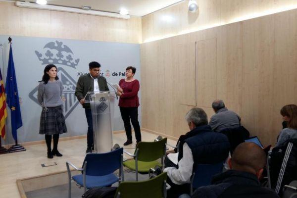 Los ediles Antonia Martin, Aligi Molina y Susanna Moll, ayer en Cort.