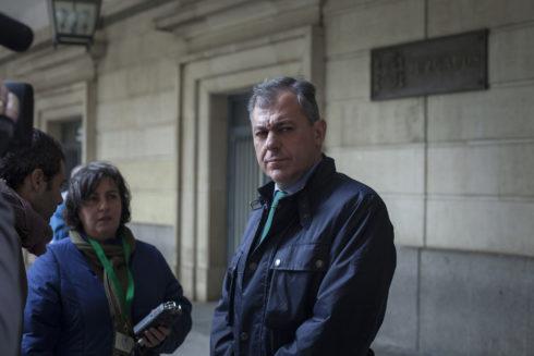 El alcalde de Tomares Jose Luis Sanz, en el juzgado de Sevilla en marzo de 2018.