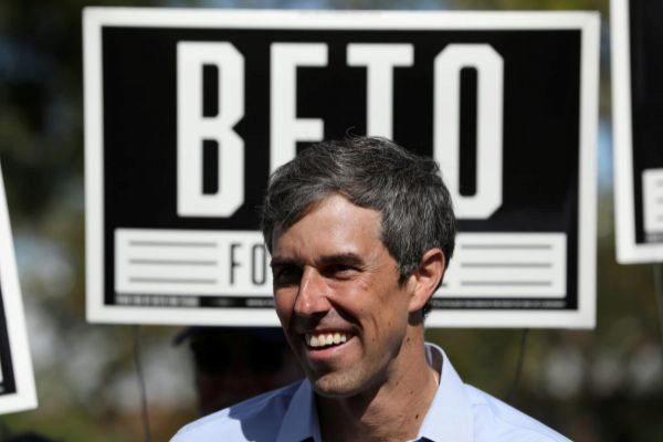 Beto O'Rourke en un acto de campaña en Plano, Texas.