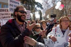 El médico Jesús Candel, durante una de las movilizaciones celebradas en Granada.