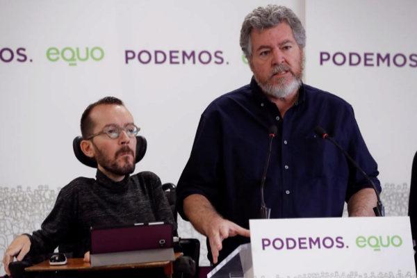 Pablo Echenique y Juan López Uralde, el martes, en rueda de prensa.