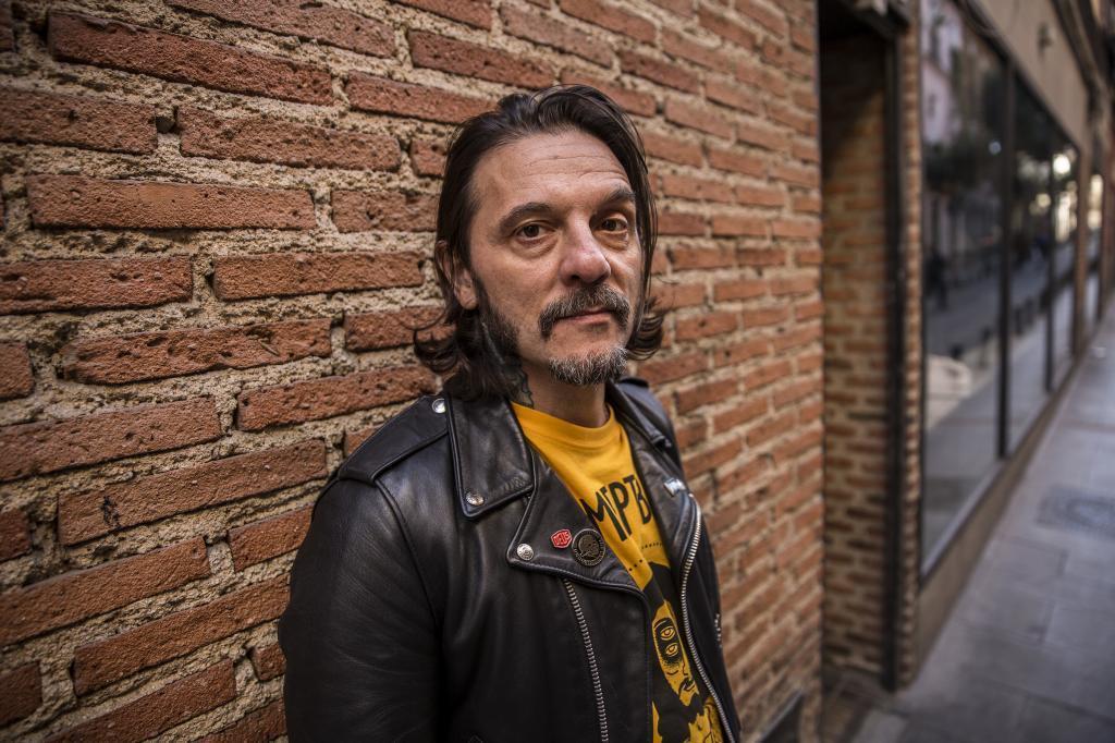 """Óscar Mulero: """"Pinchar discos es lo mejor, lo haría gratis hasta que me muera"""""""