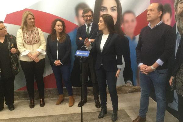 Iñaki Oyarzabal y Leticia Comerón, durante su intervención.