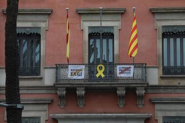 Lazo amarillo en la Consejería de Interior de la Generalitat.