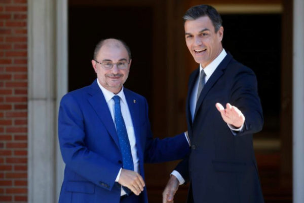 Javier Lambán y Pedro Sánchez, en un encuentro en Moncloa.