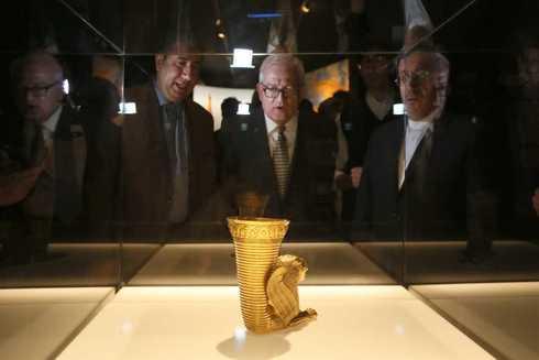 El Ritón de oro, preside la segunda sala dedicada a la antigua Persépolis.