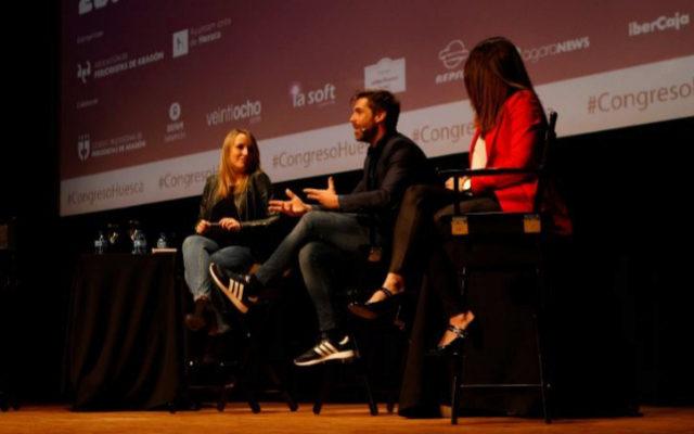 Ana Martínez, José Yélamo y Ana Nuñez durante la ponencia sobre la 'futbolización del periodismo' en el XX Congreso de Huesca