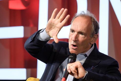 Tim Berners-Lee da un discurso en el CERN de Ginebra, esta semana, con motivo del 30 aniversario de la World Wide Web.