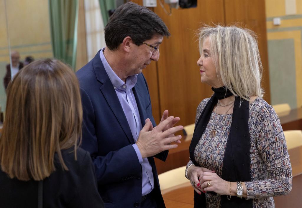 El vicepresidente Juan Marín, este jueves, junto a la fiscal superior de Andalucía, Ana Tárrago.