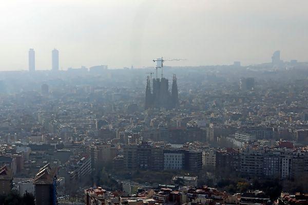 Barcelona en el último episodio de alta contaminación del aire